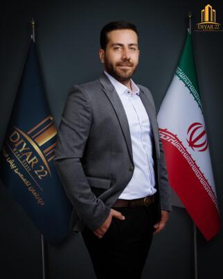 فرزاد حسینی